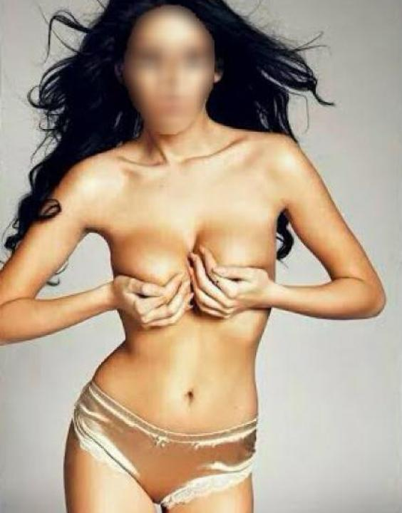 Adriana  Escort Prague +420 777 829 388 Companion Stars
