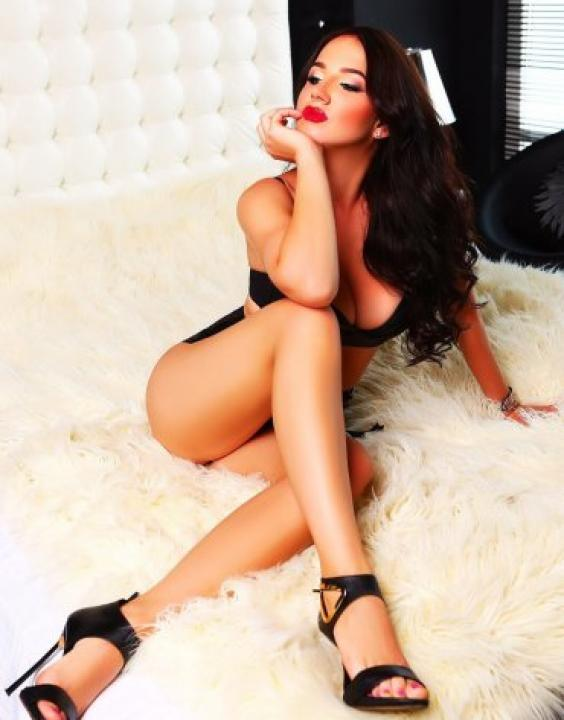 SOPHIA  Escort Prague +420778044761 sofia
