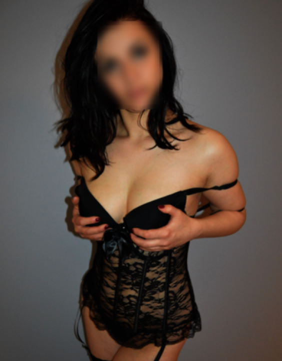 MASÁŽE WELLNESS  Escort Prague 774634500 masaze-wellness