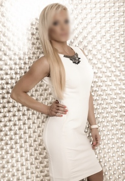 Diana Luxury Companion  Escort Prague +420728412219