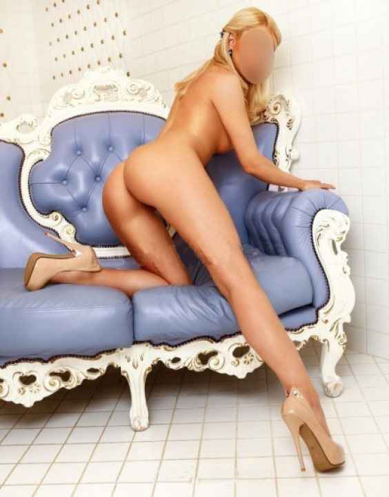 Demi Pretty  Escort Prague 0420775393181 Demi_Sweet