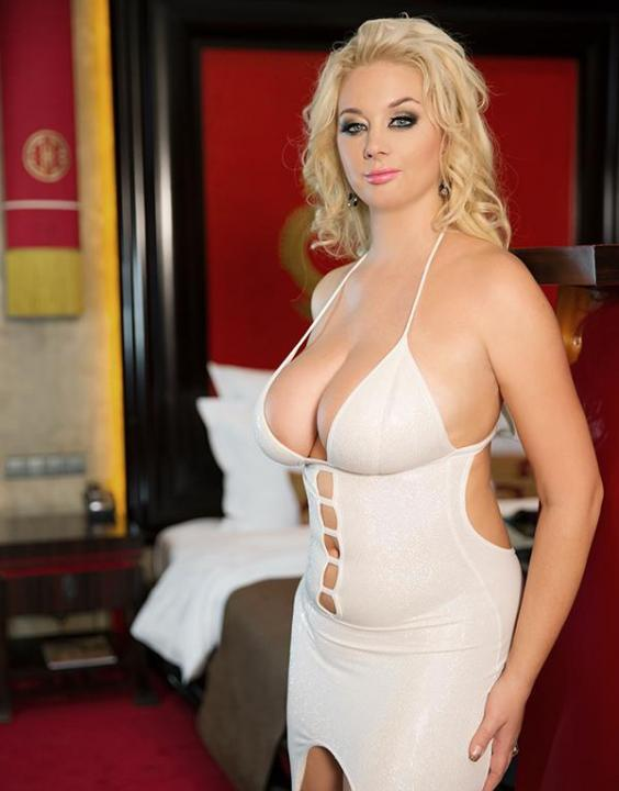 NEW ELLE  Escort Prague +420732228418 Elle