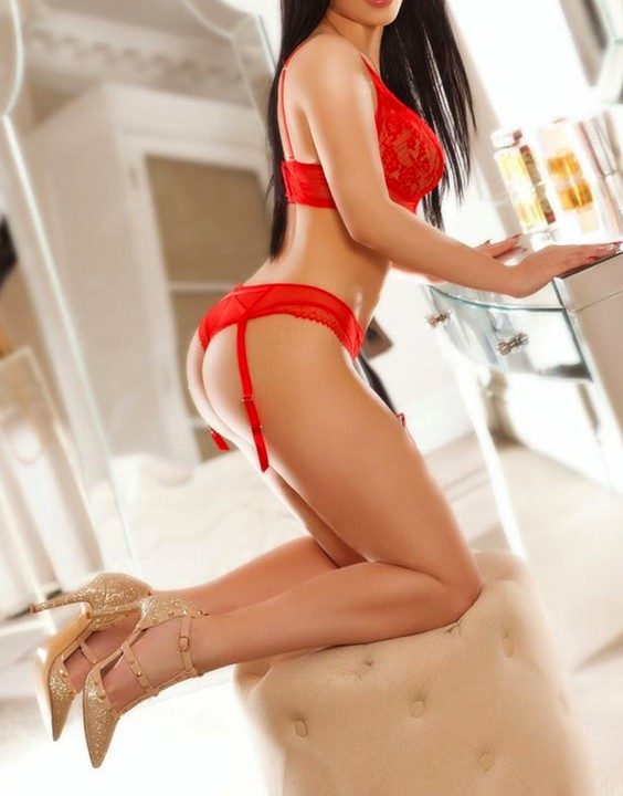 Karen  Escort Prague +420 775 073 503 Carmen