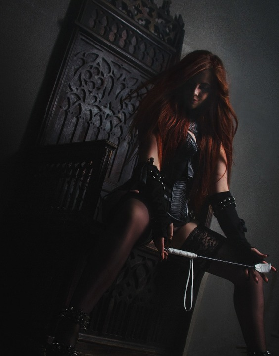 Mistress Helen - REAL PHOTOS  Escort Prague +420774090997