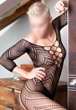 View Luxury erotic massages, Erotic massage Escort | Tel: 728704087